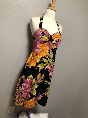 Halter Dress Size 6 Includes Necklace for Sale in Round Rock, TX