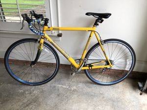 Road Bike Cannondale R1000 for Sale in Charlotte, NC