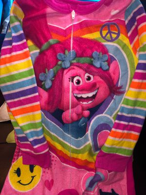 Girl PJs Trolls & shirt, with glitter pants for Sale in Franklin Park, IL