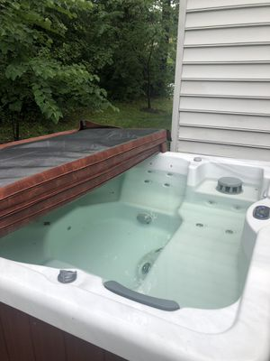 Six seater hot tub for Sale in Glenn Dale, MD