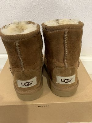 Ugg boots size 7 girls for Sale in Bellflower, CA
