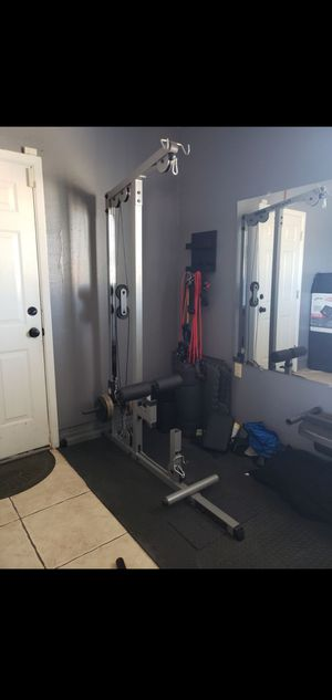 Body Solid Lat pull down with all attachments for Sale in El Mirage, AZ