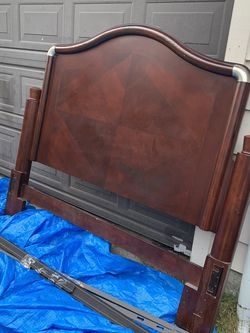 Queen Headboard With Metal Frame for Sale in Seattle,  WA