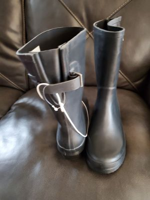 Rain boots size 11 for Sale in Bell Gardens, CA