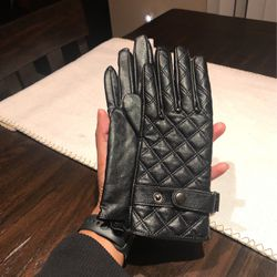 Gloves / Mittens for Sale in Murfreesboro,  TN