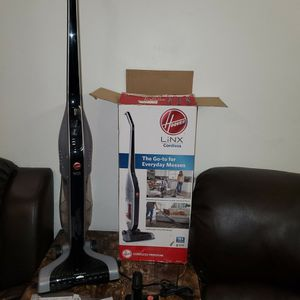 Hoover Linx Cordless Broom on battery for Sale in San Diego, CA