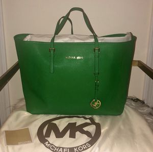 Michael Kors Jet Set Travel Tote for Sale in Silver Spring, MD