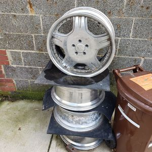 """20"""" Rims 5lug for Sale in Queens, NY"""