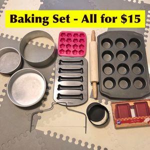 Wilton, Magic Line etc... Bakeware Sets for Sale in Davie, FL