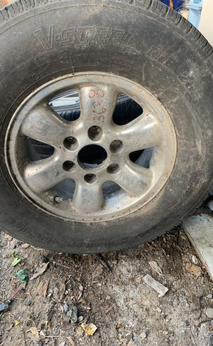 Tacoma stock spare tire & rim 6 lug for Sale in Houston, TX