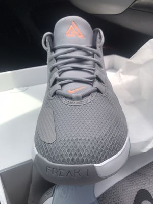 Nike zoom freak Giannis Antetokounmpo shoes SZ11 for Sale in Dinuba, CA
