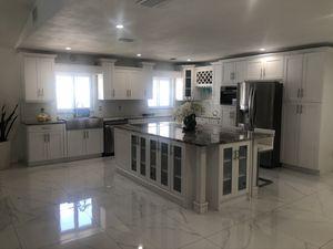 Kitchen cabinets, granite for Sale in Tampa, FL