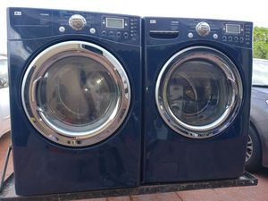 LG BLUE STEAM WASHER AND ELECTRIC DRYER SUPERCAPACITY for Sale in Hialeah, FL