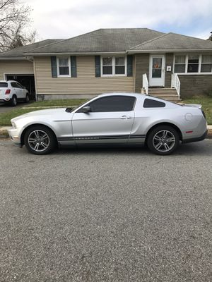 Ford Mustang 2010 premium v6 Runs perfectly!!! for Sale in Caldwell, NJ