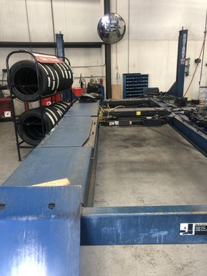 ROTARY ALIGNMENT LIFT AND ROLLING JACKS for Sale in San Mateo, CA