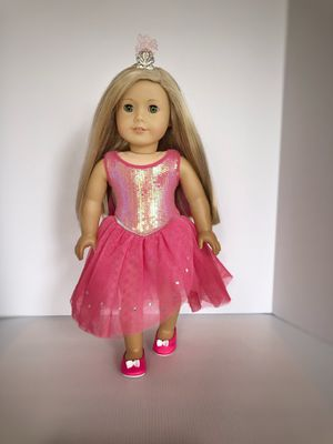 American Girl Isabelle doll w/ hair extensions for Sale in Elmwood Park, IL