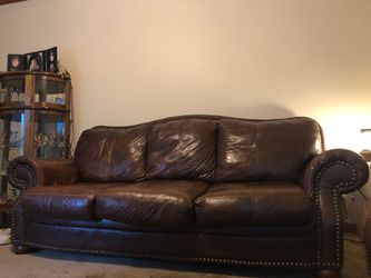 Leather couch for Sale in Ashland City,  TN