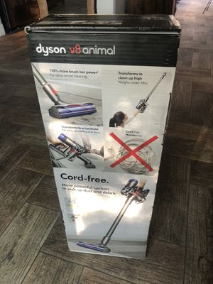Dyson v8 vacuum cleaner for Sale in Sunrise Manor, NV