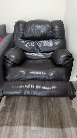 Recliner chair for Sale in Buena Park, CA