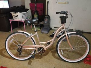 Shamano Rose gold bike for Sale in Findlay, OH