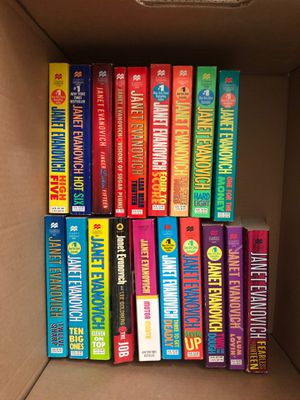 Set of Janet Evanovich books for Sale in Queen Creek, AZ