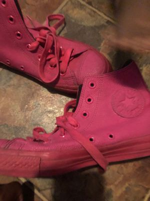 Hot pink converse for Sale in Orlando, FL