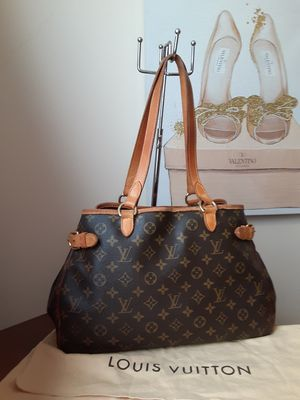 Louis Vuitton bag for Sale in Cumberland, RI
