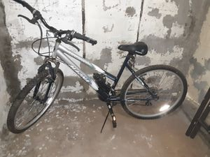 Magna mountain bike great condition! for Sale in BRECKNRDG HLS, MO