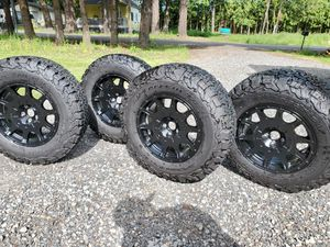 Selling BF GR A/T 215/75 R15 ko2 and method racing wheel mr502 15x7 for Sale in Gresham, OR