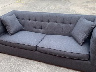 Beautiful, Comfortable Couch FREE DELIVERY!! for Sale in Austin,  TX