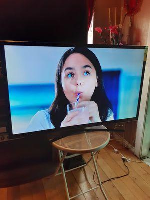 Tv sony bravia smart 3d chingona buen vista vien cuidada con vase i control 320$ firmm varata for Sale in Los Angeles, CA