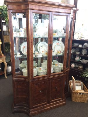 Vintage China Cabinet for Sale in San Jose, CA