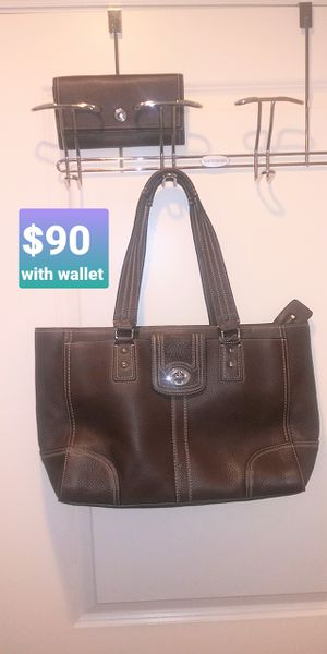 NUSED actually not used COACH purse with wallet for Sale in Rockville, MD
