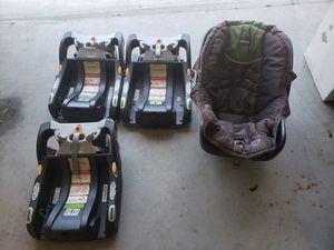 Chicco keyfit 30 car seat with 3 bases for Sale in Virginia Beach, VA