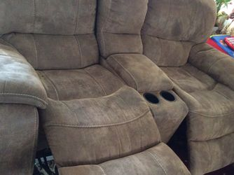 Reclining Sofa 🛋 Set Very Good Condition Pet Free Smoke 💨 Free House 🏠 for Sale in Round Rock,  TX