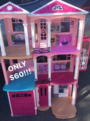 HUGE BARBIE DREAMHOUSE PLAYHOUSE WITH ELEVATOR MULTI ROOM HOUSE DOLLHOUSE DOLLS PINK GARAGE DOOR for Sale in San Antonio, TX