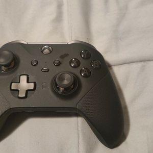 Xbox Elite Controller 2 for Sale in Glendale, AZ