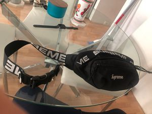 Supreme Waist Bag SS18 (Fanny pack) $300 for Sale in Chula Vista, CA