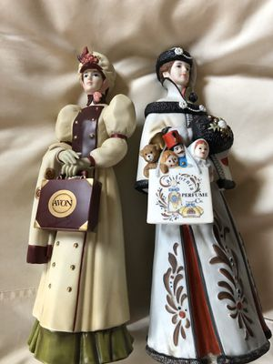 Avon President's Club Figurines. Set of 2 for Sale in Cynthiana, KY