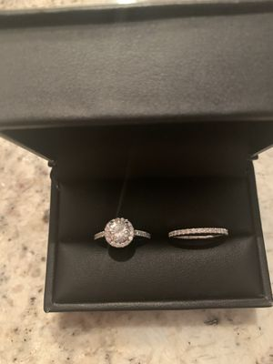 Round Diamond Engagement Ring Set for Sale in Darien, IL