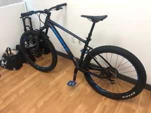 "Giant Fathom 2 27.5"" Mountain Bike Size S GREAT CONDITION for Sale in Fountain Valley, CA"