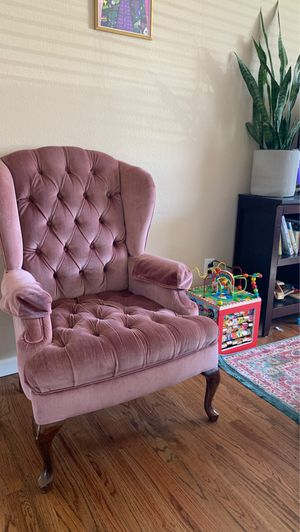 Vintage Light Pink Velvet Chair for Sale in Thornton, CO