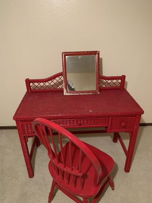 Vanity desk and chair for Sale in Tulsa, OK