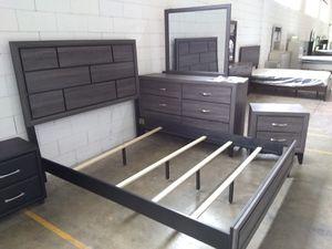 Queen Bedroom Set floor model sale $550 😎2759 Irving Blvd Dallas 75207😉 for Sale in Dallas, TX