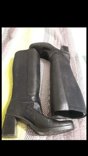 Women's size 8 5 boots for Sale in Brandon, FL
