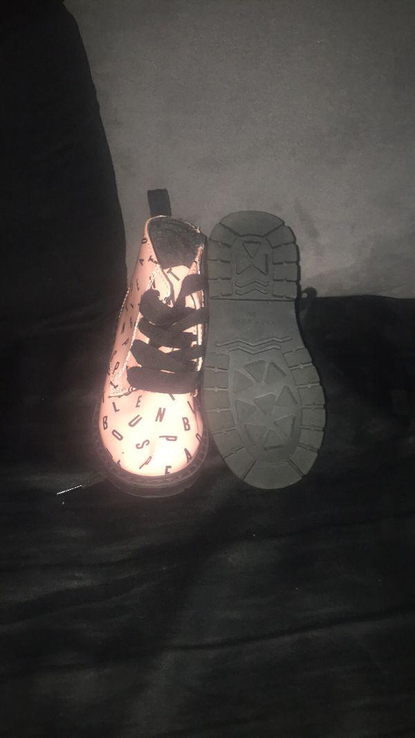 Little girls Zara boots size 6 C