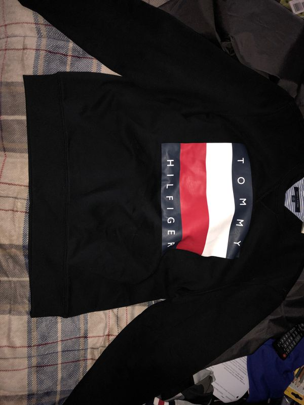 Tommy Hilfiger All Black Long Sleeve Sweater - LARGE