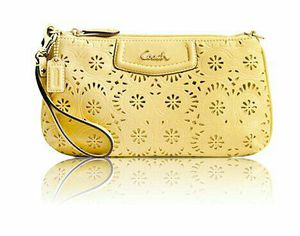 Coach wristlet brand new. for Sale in Irving, TX