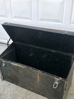 1920's Passenger Automobile Metal Trunk for Sale in Vancouver,  WA