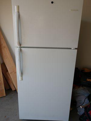 Frigidaire refrigerator for Sale in Richland, MO